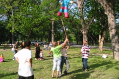 pinata_swinging1_adults