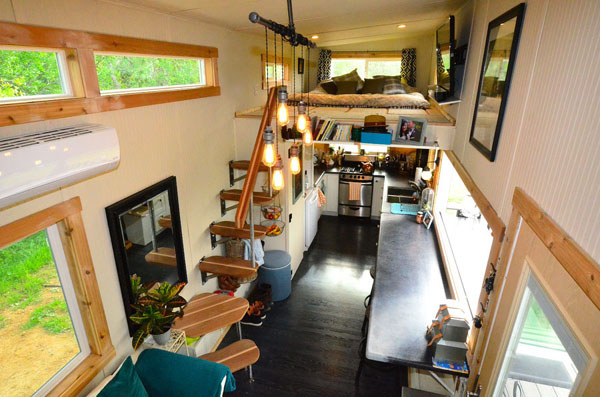 Cleaning small apartments and tiny houses